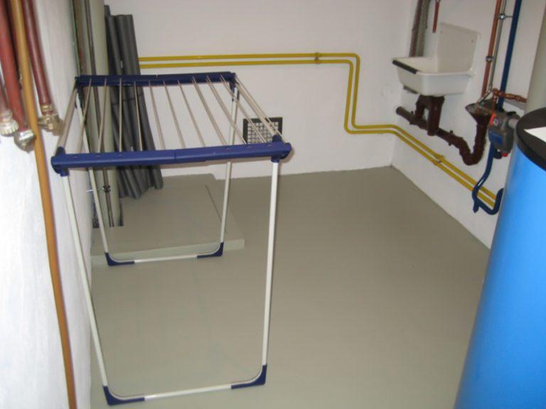 Der Kellerraum wurde mit strapazierfähigen Polyuretan in RAL-Farbe beschichtet