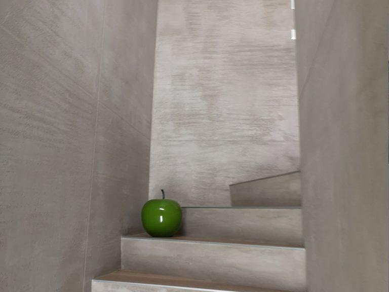 Von uns erstellte Beton-Optik in einem Treppenhaus