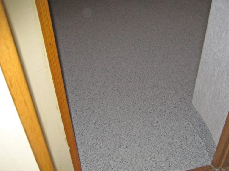 Hausflur - Fußbodengestaltung in Granit-Optik