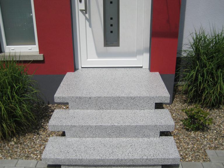 Die Treppe besticht nun mit einem neuen praktischen Aussehen
