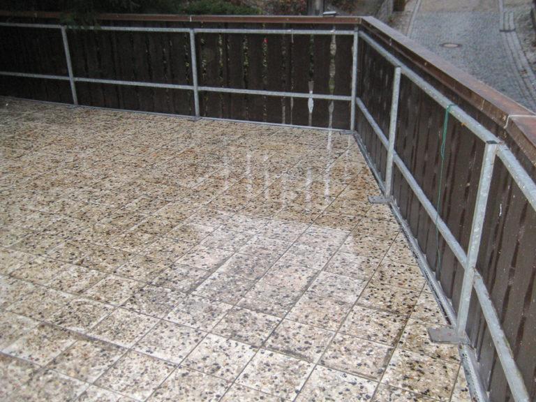 Die darunterliegende Garage wird nachhaltig vor Wasser- und Frostschäden geschützt