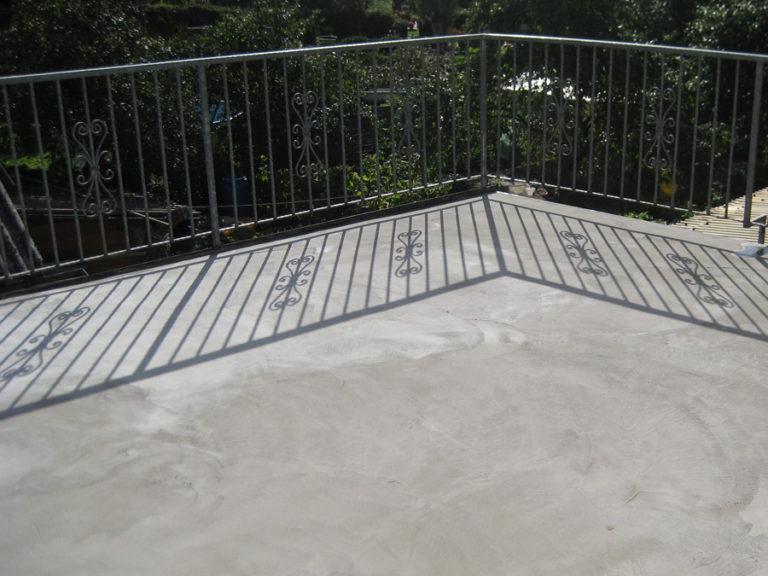 Undichte Terrassenboden-Platte führte zu Wassereinbruch im darunter liegenden Wohnraum